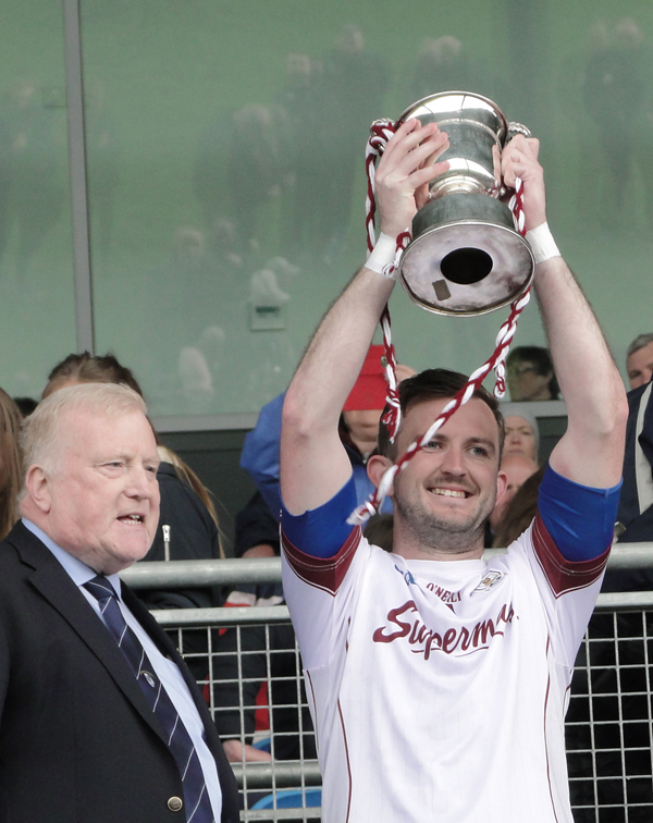 Maghnus Breathnach with the Connacht Junior Cup Web